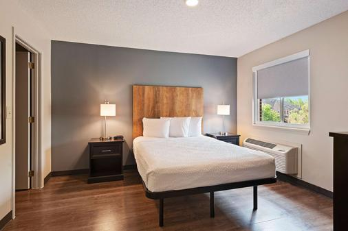 Extended Stay America - Charlotte - East Mccullough Drive - Charlotte - Bedroom