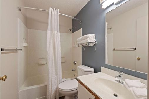 Extended Stay America - Charlotte - East Mccullough Drive - Charlotte - Bathroom