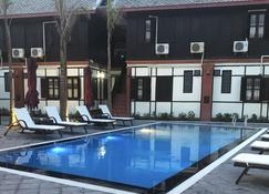 Villa Mahasok Hotel - Luang Prabang - Svømmebasseng