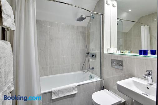 Mandolay Hotel Guildford - Guildford - Bathroom