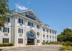 Baymont by Wyndham Lafayette Airport - Lafayette - Building
