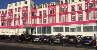 Tiffanys Hotel - Blackpool - Toà nhà