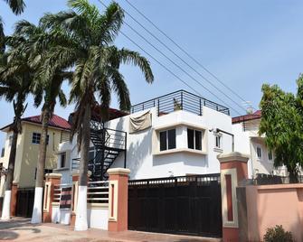Cascadehotel - Accra - Building
