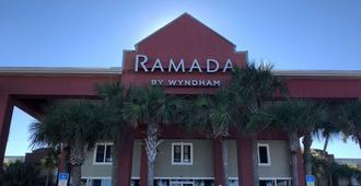 Ramada by Wyndham Panama City Beach / Beachfront - Panama City Beach