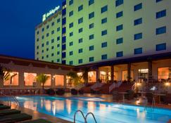 Holiday Inn Accra Airport - Acra - Edificio