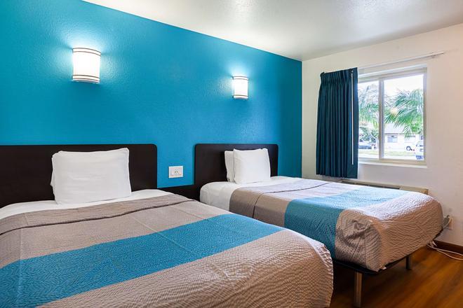 Motel 6 Ventura Downtown, CA - Ventura - Bedroom