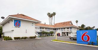 Motel 6 Ventura Downtown, CA - Ventura - Gebäude