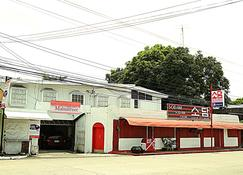 Mainstreet Pension House - Bacolod - Budynek
