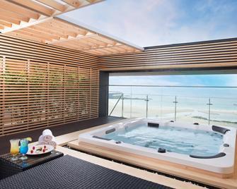 Utop Ubless Hotel - Jeju City - Pool