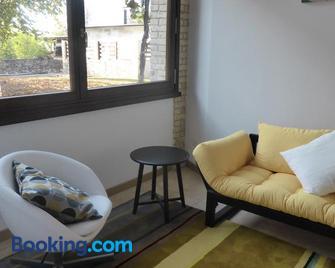 La Valeriana Farm Apartments - San Daniele - Wohnzimmer