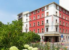 Hotel Londra - Alessandria - Edificio