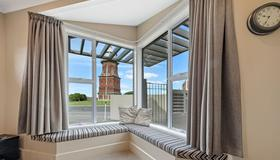 Tower Lodge Motel - Invercargill - Balcony