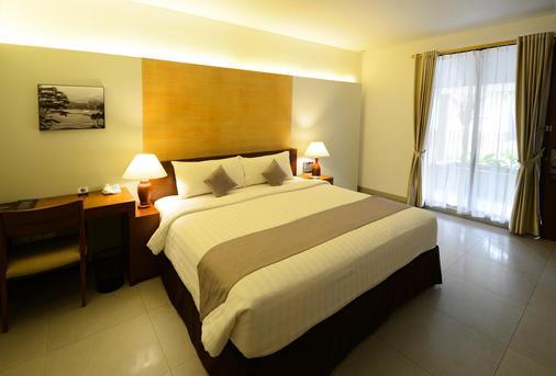 Hotel Neo+ Green Savana Sentul City - Bogor - Κρεβατοκάμαρα