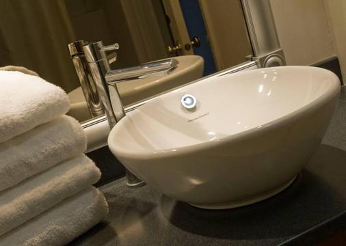 Best Western Gold Rush Inn - Γουάιτχορς - Μπάνιο