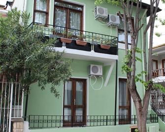 Yakamoz Hotel - Büyükada - Gebäude