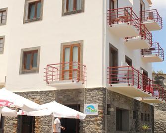 Hotel Vila Bela - Porto da Cruz - Building