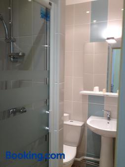 Couleurs Sud - Charleville-Mézières - Bathroom