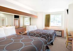 薩克拉門托機場速 8 酒店 - 薩克拉門多 - 薩克拉門托 - 臥室