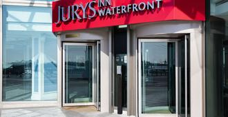 Jurys Inn Brighton Waterfront - Brighton - Vista del exterior