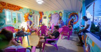 Jedi Surf Hostel - Limassol