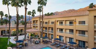 Courtyard by Marriott Palm Springs - Palm Springs