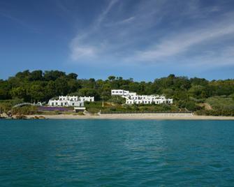 Baia Delphis Resort - Васто