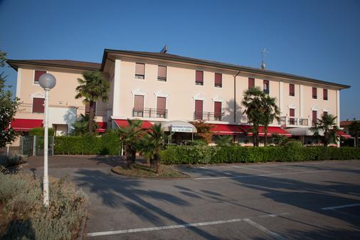 Hotel Master - Padua - Toà nhà