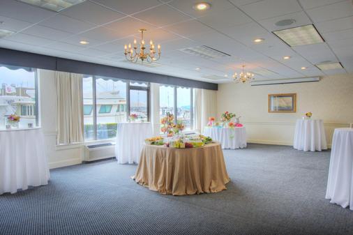 The Newport Harbor Hotel & Marina - Newport - Banquet hall