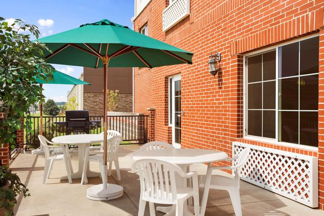 Country Inn & Suites by Radisson, Conway, AR - Conway - Patio