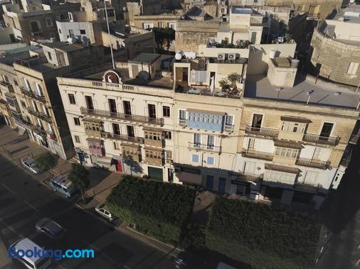 Nelli's B&B - Cospicua - Building