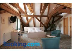 Hotel Zur Krone - Beilngries - Bedroom