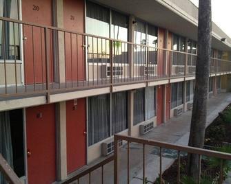 Su Casa Inn & Suites - Harlingen - Edificio