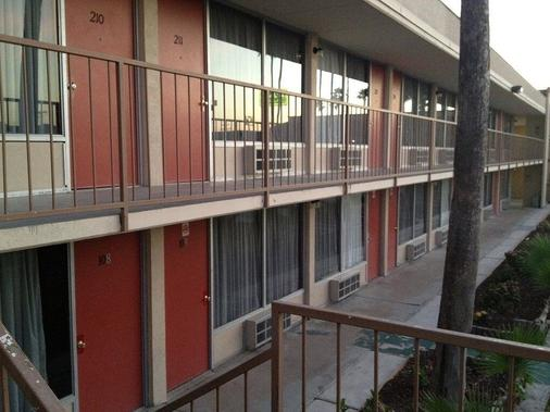 Su Casa Inn & Suites - Harlingen - Building