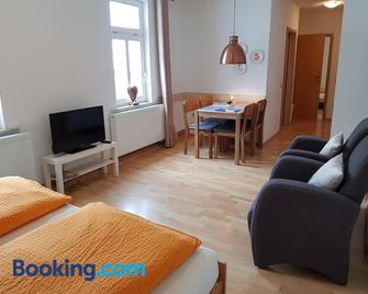 Pension Zum Glasmacher - Oberhof - Living room