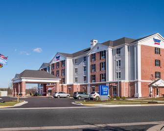 Fairfield Inn and Suites by Marriott Easton - Easton - Building