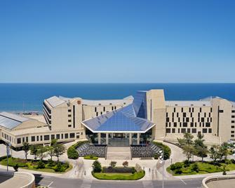 Sheraton Yantai Golden Beach Resort - Yantai - Building