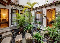 Casa Encantada - Antigua - Building