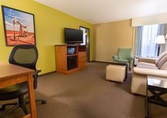 Drury Inn & Suites Houston The Woodlands - The Woodlands - Bedroom