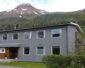 Post-Hostel - Seydisfjordur - Building