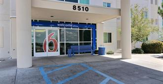 Motel 6 Albuquerque North - Albuquerque - Gebouw