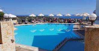 Amazones Village Suites - Hersonissos - Pool