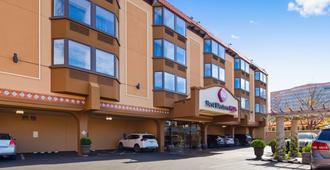 Best Western Plus Seville Plaza Hotel - Kansas City - Building