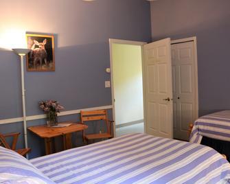 Mulvehill Creek Wilderness Inn - Revelstoke - Bedroom