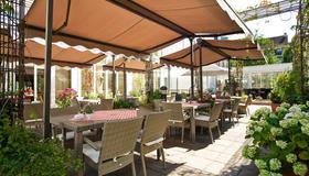 President Hotel - Bonn - Patio