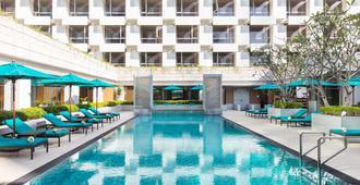 Holiday Inn Bangkok - Bangkok - Pool