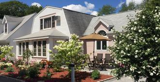 Pink Blossoms Resort - Ogunquit - Edificio
