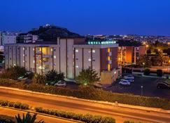 Hotel Quadrifoglio - Cagliari - Gebouw