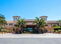 Grand Pacific Palisades Resort & Hotel - Carlsbad - Building