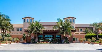 Grand Pacific Palisades Resort - Carlsbad - Building