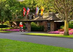 Royal Scot Hotel & Suites - Victoria - Edificio